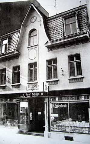 Alte Schule Clemens-August-Straße