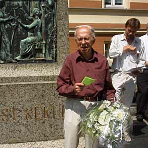Helmuth Uessem, Ehrenvorsitzender des Fördervereins Poppelsdorfer Geschichte e.V. bei der 100jährigen Feier des Kekule-Denkmals
